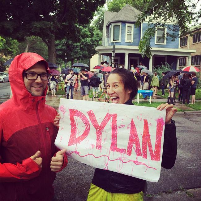 dylan-piano-concert-excited-fan