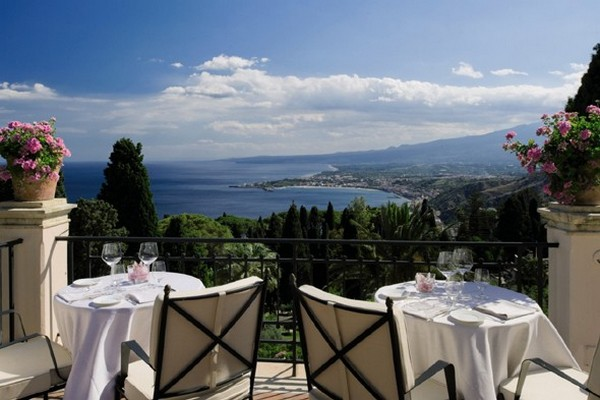 literary-terrace-bar-grand-hotel-timeo-sicily