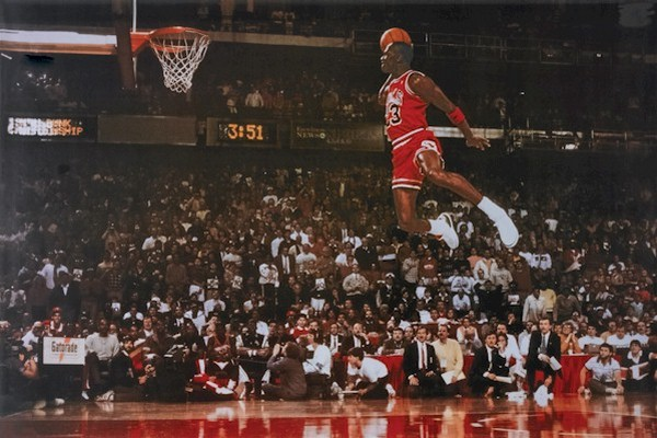 michael-jordan-flying