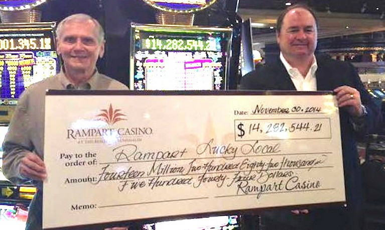 man-won-14-million-in-las-vegas-and-gave-it-away